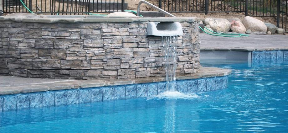Spillover spa amd liner swimming pool in Commerce, Mi